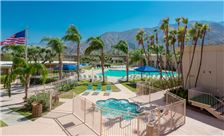 days-inn-palm-springs-pool-and-hot-tub